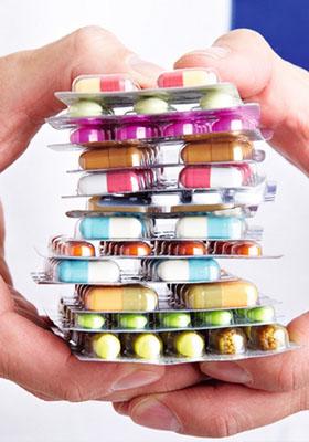 滥用药 当心药品不救人反杀人