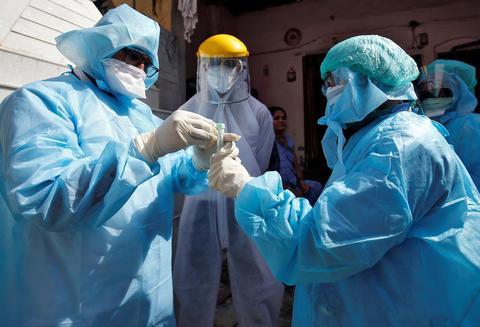 全球疫情:日增确诊超30万 累计逾3831万例 美国新增逾4.8万例